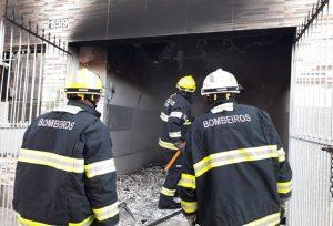 Incêndio atinge residência em Delmiro Gouveia, Alagoas