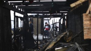 Incêndio destrói 200 moradias em Lima às vésperas dos Pan-Americanos