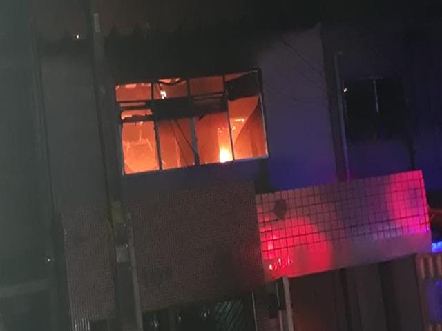 Duplex é atingido por incêndio no Centro