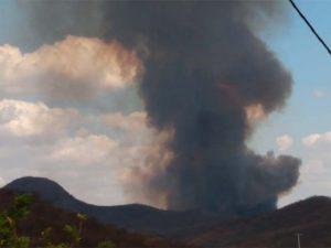 Incêndio em vegetação faz surgir coluna de fumaça na zona rural de Icó