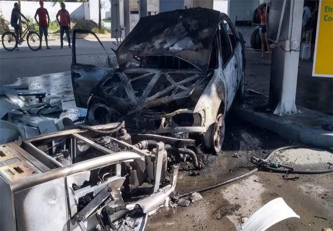 Motorista bate em bomba de combustível e causa incêndio em posto de Maranguape