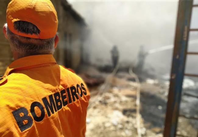Vazamento de gás provoca incêndio em casa em Quebrangulo, AL