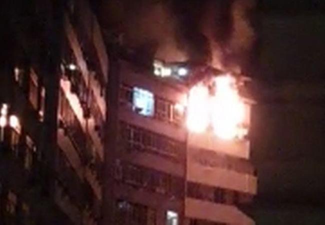 Incêndio atinge apartamento em Copacabana na madrugada deste domingo