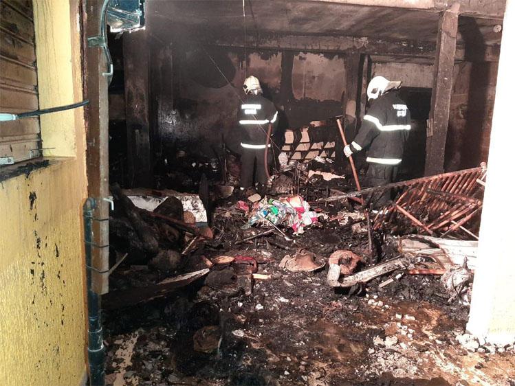 Loja de confecções sofre incêndio na praia de Canoa Quebrada