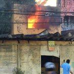 Incêndio atinge ponto comercial na Avenida Aguanambi, em Fortaleza