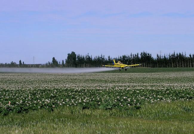 Aviões agrícolas ociosos para combater incêndios é projeto de lei
