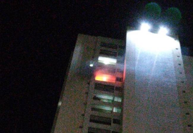 Fogo atinge apartamento do 17º andar de prédio em Sobral